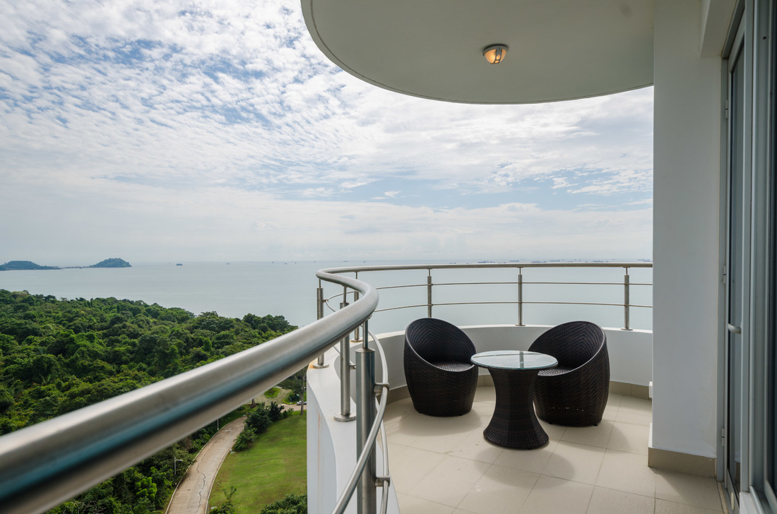 2 Bedroom Ocean View Apartment for sale
